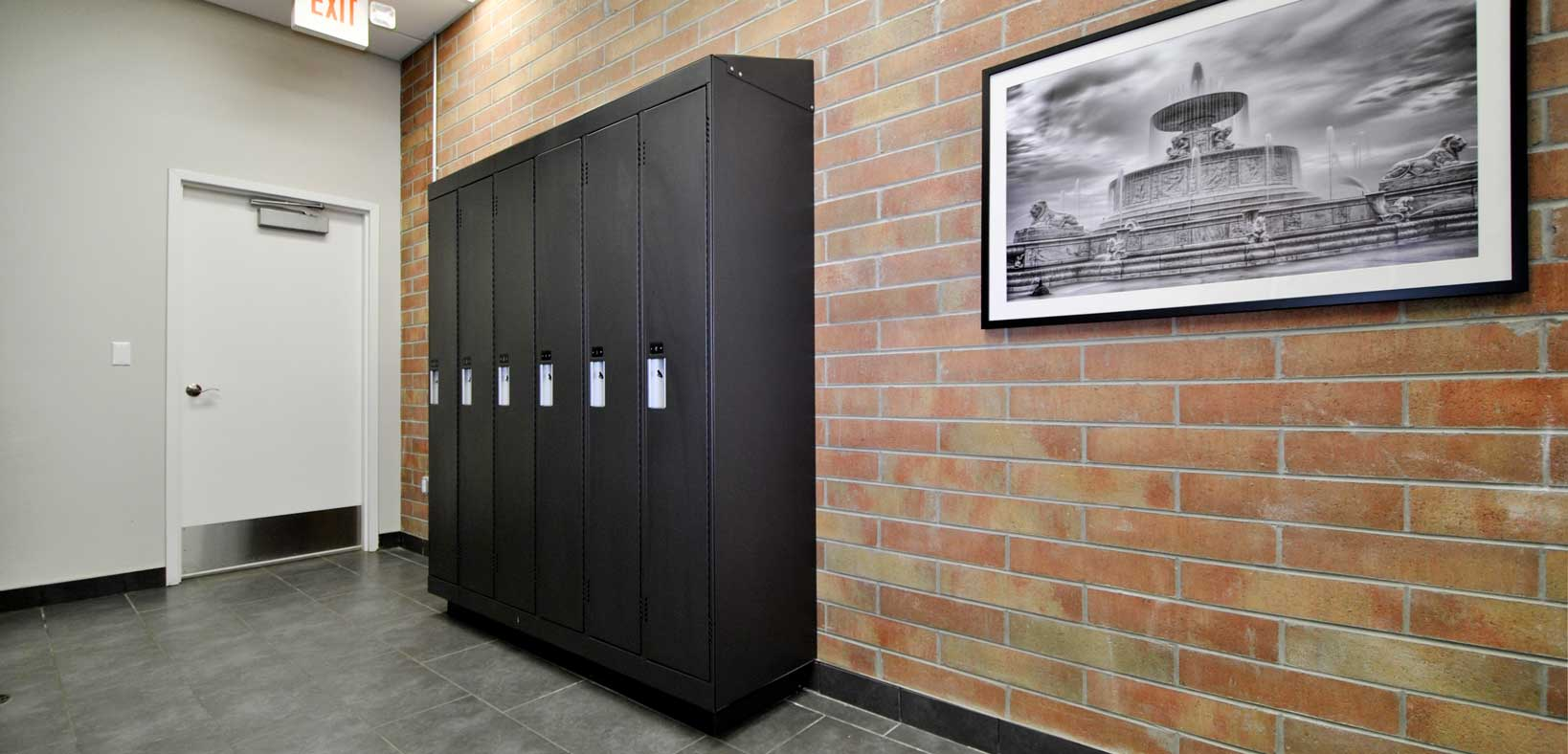 Waters Edge Clubhouse Lockers